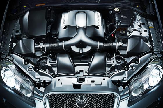Premiere Jaguar XF - Motor