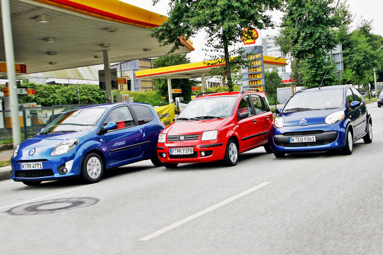 An der Tankstelle vorbei: Alle drei Testkandidaten blieben unter fünf Liter Durchschnittsverbrauch.