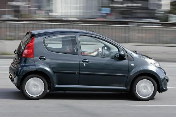 Macht Spaß: Der Peugeot fährt sich schön agil und gefällt mit seiner zielgenauen Lenkung.