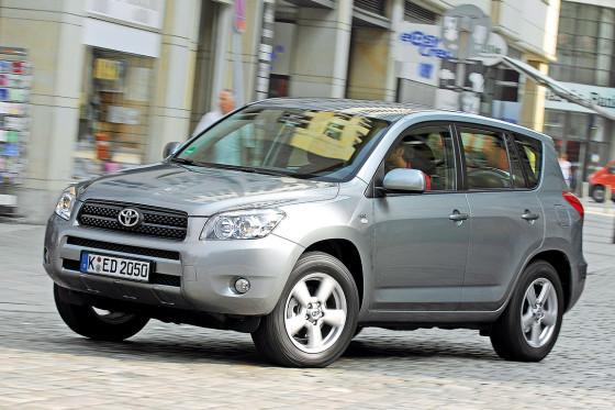 Dem Toyota RAV4 gebührt die Ehre, die Kompakt-SUV weltweit populär gemacht zu haben.