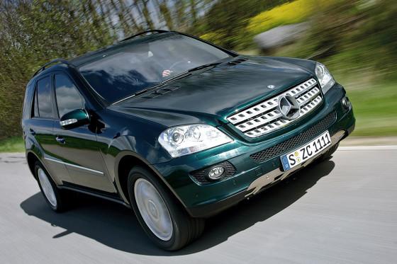 Leicht und schnell: Gegen den ML 420 CDI hat der Range Rover auf der Straße keine Chance.