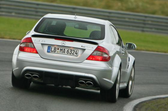 Die beste Mercedes-Lenkung überhaupt: Der CLK geht präzise ums Eck.