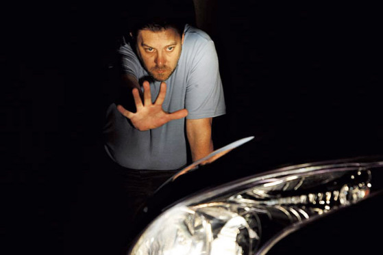 Eigenblendung: Bei Streulicht tappt der Fahrer trotz gleißender Helligkeit im Dunkeln.