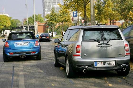 In Sachen Dynamik wenig unterschiedlich: Fahrspaß steckt im großen wie im kleinen Mini.
