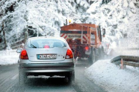Fahrzeug im Winter