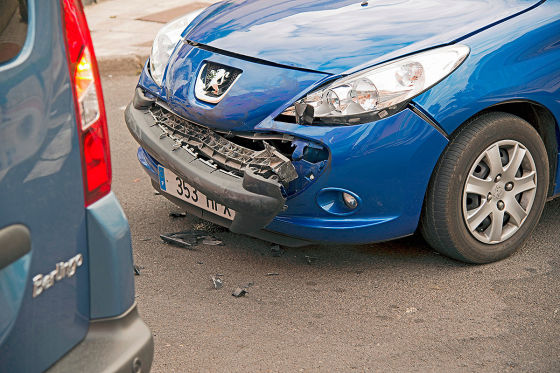 Verkehrsunfall zwischen zwei PKW mit leichten Blechschaden.