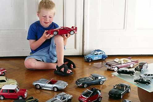 Tja, kleiner Mann, da guckste. Gewisse Autos sollte man im Laufe seines Lebens einfach gefahren haben. AUTO BILD stellt 25 davon vor.