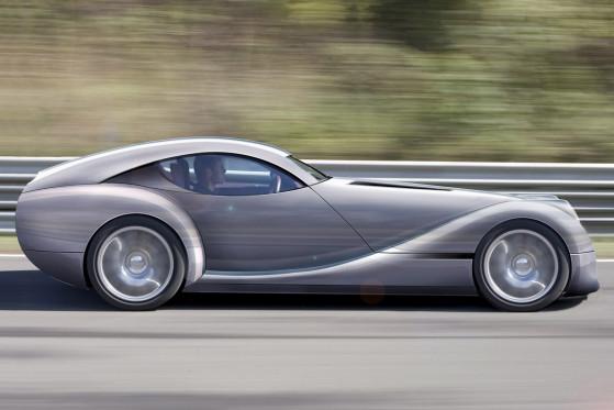 Den Antrieb des 600 Kilo leichten Life Car übernehmen vier Radnabenmotoren, die von der Batterieeinheit im Unterboden gespeist werden.