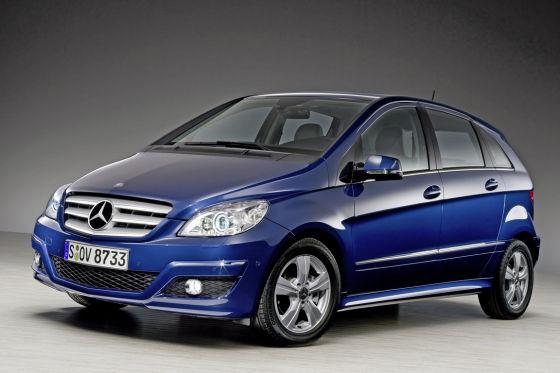 Mercedes lockt auf der AMI mit zwei Weltpremieren: B-Klasse (Foto) und A-Klasse debütieren mit Facelift.