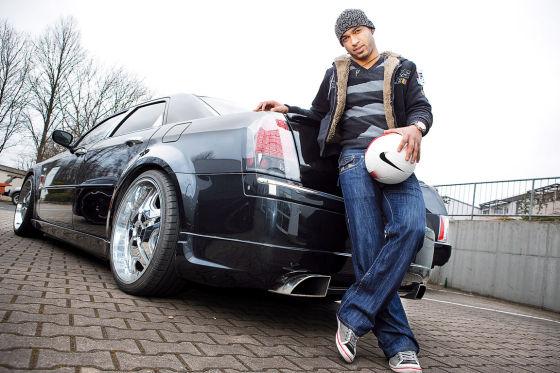 Dede mit seinem Chrysler 300 C