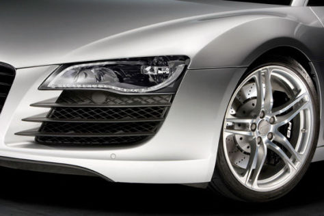 Audi R8 mit LED-Vollscheinwerfern