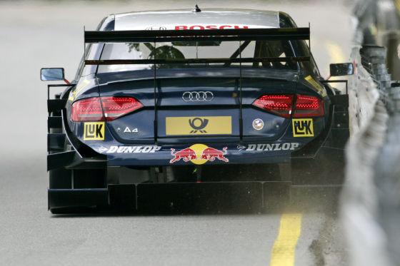 Millimeterarbeit: Knapp vorbei an den Leitplanken ist am schnellsten. Ekström im DTM-Audi A4 (460 PS).