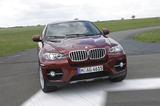 BMW X6 50i gegen Porsche Cayenne GTS
