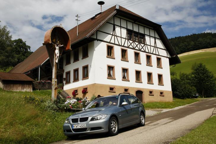 BMW 320i Touring Schwarzwald