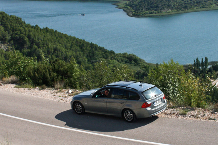 BMW 320i Touring See