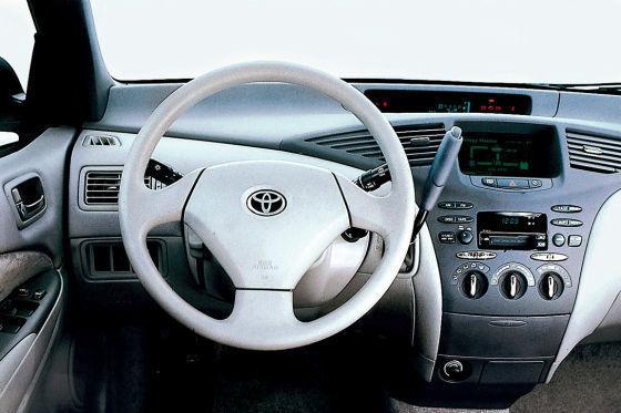Toyota Prius I Cockpit