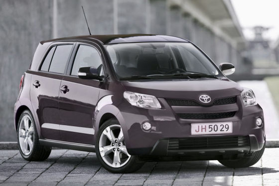 Jetzt im Serientrimm: So kommt der Toyota Urban Cruiser. Premiere feiert er auf dem Pariser Autosalon.