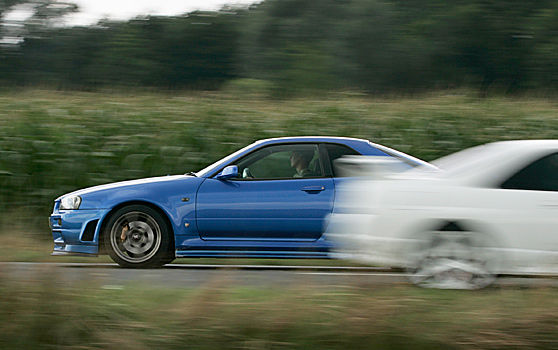 Gestern & Heute - 4 Generationen Nissan GT-R
