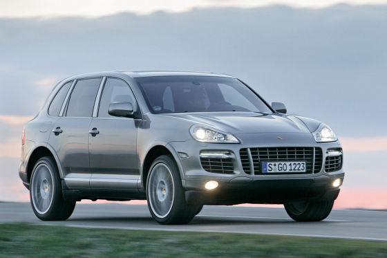 Bei Luxusautos wie dem Porsche Cayenne wird vermutet, dass es sich um Auftrags-Diebstahl handelt.