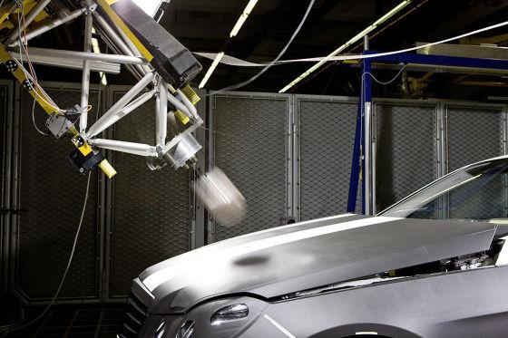 Mercedes E-Klasse aktive Motorhaube