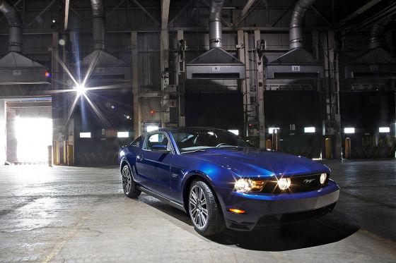 Bei Dodge stehen drei Elektro-Autos mit ungewisser Zukunft. Der hier war mal ein Lotus.