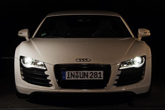 Das Design der Audi R8-Scheinwerfer hat ebenfalls einen roten Punkt verdient.