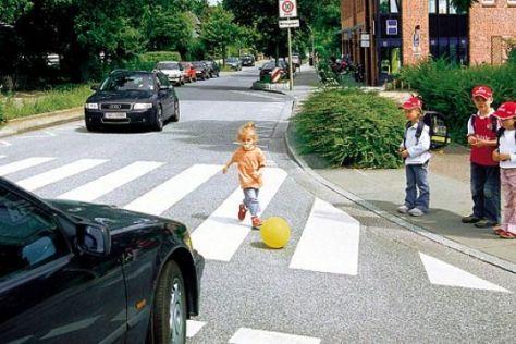 Vorsicht Spielende Kinder Autobild De