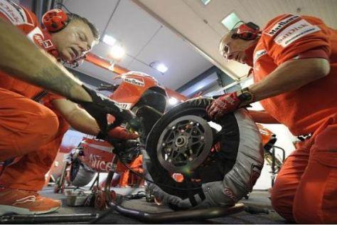 Bridgestone bereitete sich in Katar schon auf die Saison 2010 vor