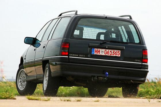 Opel Omega A 2.0i Caravan
