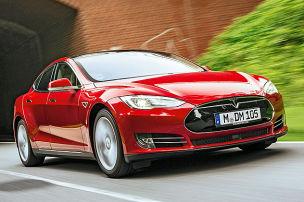 Model S knackt 1000 km