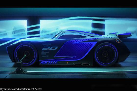 """Action in der Welt der Autos: Beim Rennen um den Piston Cup bekommt es Lightning McQueen (links) u.a. mit Titelverteidiger """"King"""" zu tun."""