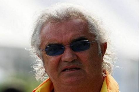 Flavio Briatore und sein Renault-Team haben mit einigen Problemen zu kämpfen