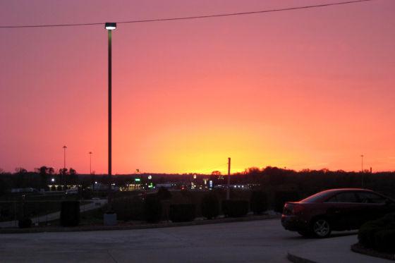 Sonnenuntergang irgendwo im schönen Alabama. Hier ticken die Uhren noch langsamer, ist die Welt noch in Ordnung.