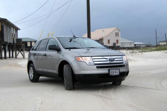 Unser Reisemobil: Ein Ford Edge mit kräftiger 3,5-Liter-Maschine  und 269 PS. Genau das richtige Gefährt für eine gepflegte Strandfahrt.