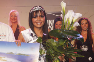 Martina Ivezaj ist Miss Tuning