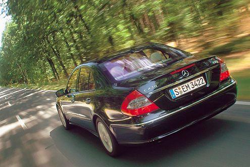 Der E 420 CDI ist eine einzige Machtdemonstration. Zum Preis von 62.176 Euro.