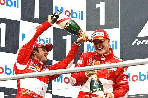 Glückliche Ferraristi Massa und Schumacher nach dem Doppelsieg in Hockenheim.