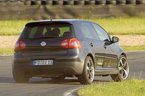 Zwei Sekunden schneller als die Serie: SLS-GTI in Oschersleben.