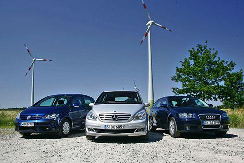 Während VW und Benz hoch bauen, fährt der Audi schnittig flach vor.