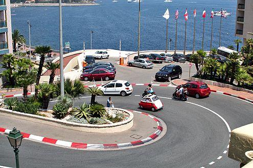 Die Rennstrecke von Monaco: In gemächlichem Tempo lässt sich die Aussicht genießen.