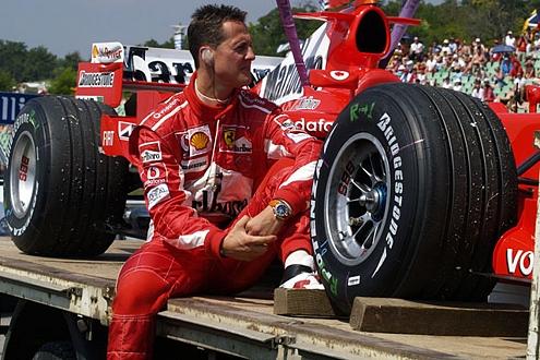 Kimi Räikkönen als Lockente: Michael Schumacher bleibt bei Ferrari.