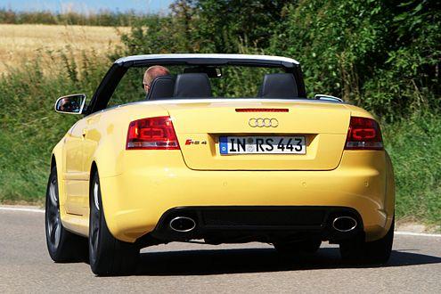 Ingolstädter Traktions-Titan: Der Audi RS4 klebt geradezu an der Straße.