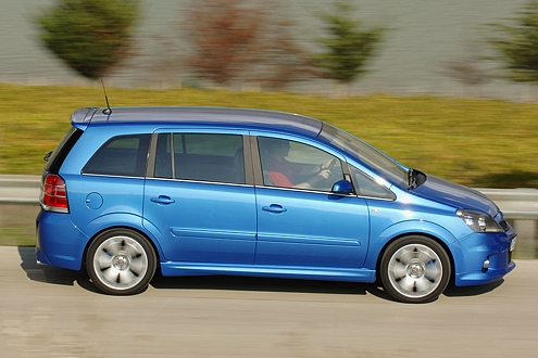 Zafira OPC: Ab 1400 Touren zündet im Motor der Opel-Blitz.