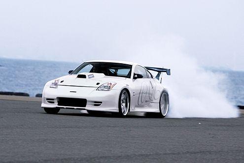 Burnouts, Drifts und Höllen-Sound: ein 350Z der Extreme.
