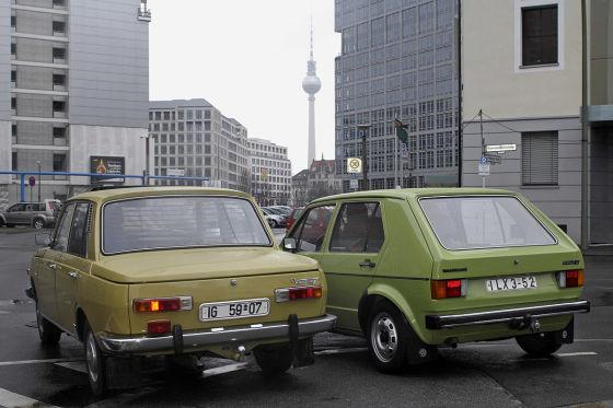 VW Golf gegen Wartburg 353