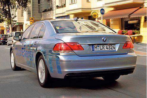 Der Hydrogen 7 von BMW fährt wahlweise mit Benzin oder Wasserstoff.