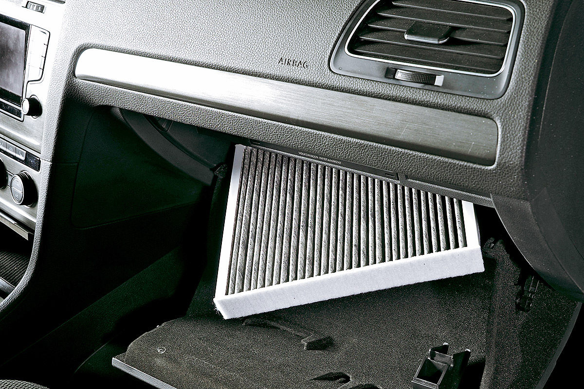 Raus mit der Nässe im Auto