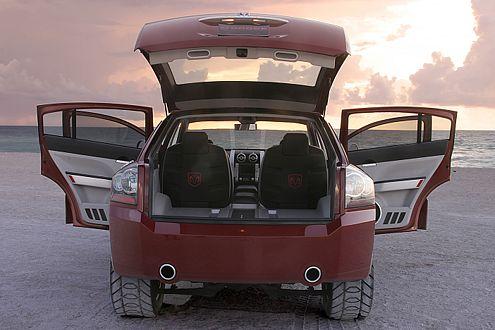 Da schwappt was über den Teich: 2007 soll der Dodge Avenger die deutsche Mittelklasse aufmischen.