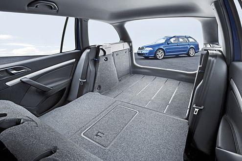 Bis zu 1620 Liter Kofferraum: Der Combi RS ist ein echter Schnelltransporter.