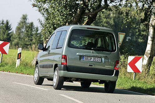 Peugeot Partner: Statt großer Klappe gibt's optional Flügeltüren.